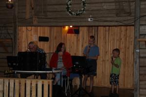Takalan pojat karaokessa